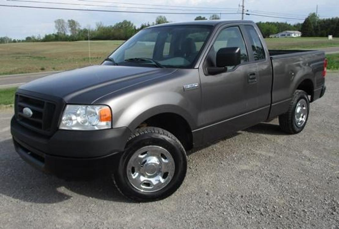 2008 Gray /Gray Ford F-150 (1FTRF12288K) with an 4.2L V6 OHV 12V engine, located at 1725 US-68 N, Bellefontaine, OH, 43311, (937) 592-5466, 40.387783, -83.752388 - Photo #1