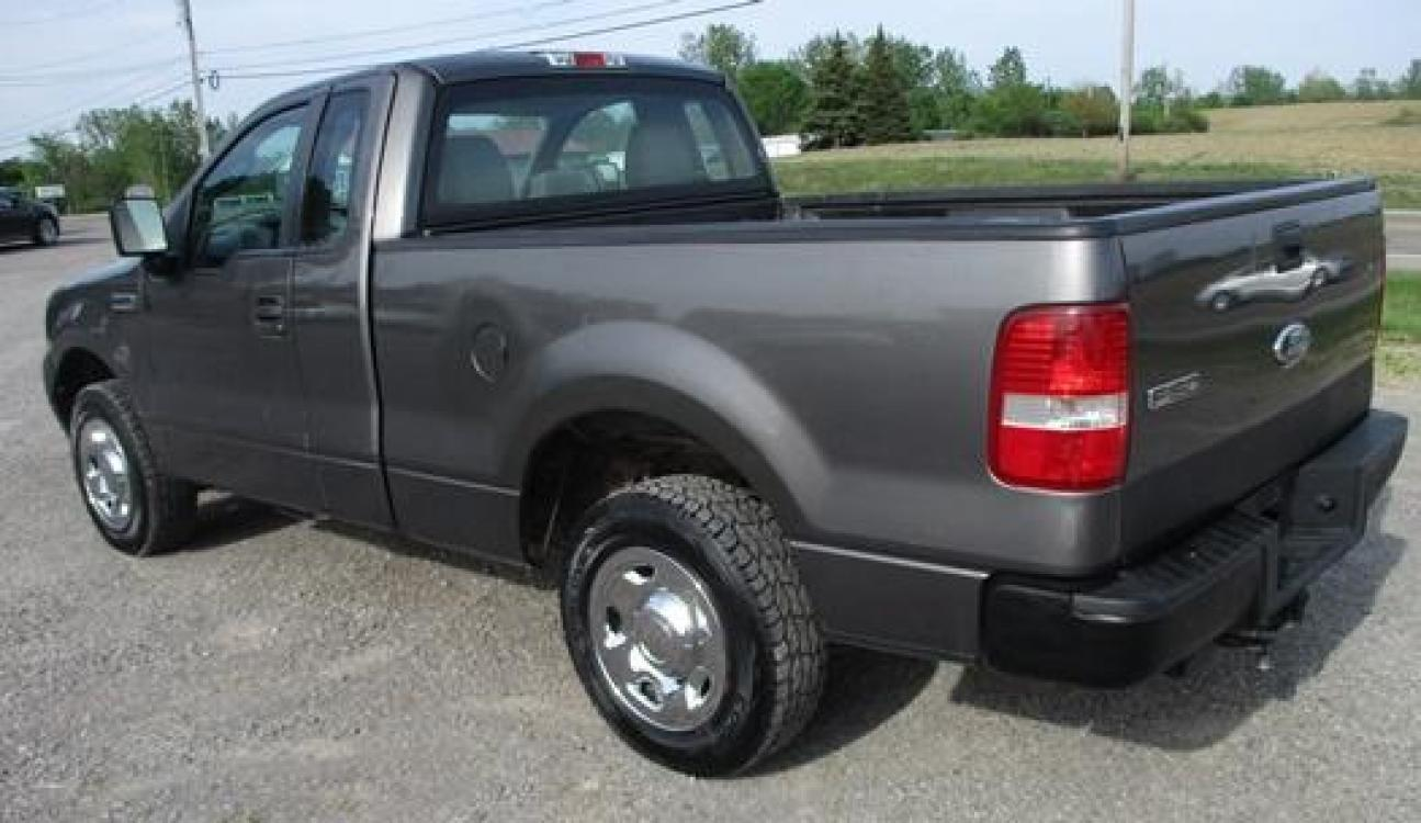 2008 Gray /Gray Ford F-150 (1FTRF12288K) with an 4.2L V6 OHV 12V engine, located at 1725 US-68 N, Bellefontaine, OH, 43311, (937) 592-5466, 40.387783, -83.752388 - Photo #2