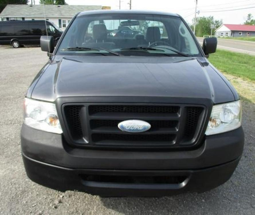 2008 Gray /Gray Ford F-150 (1FTRF12288K) with an 4.2L V6 OHV 12V engine, located at 1725 US-68 N, Bellefontaine, OH, 43311, (937) 592-5466, 40.387783, -83.752388 - Photo #6